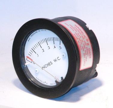 Dwyer 2-5000-0 Minihelic II Differential Pressure Gauge 0-0.5 W.C.