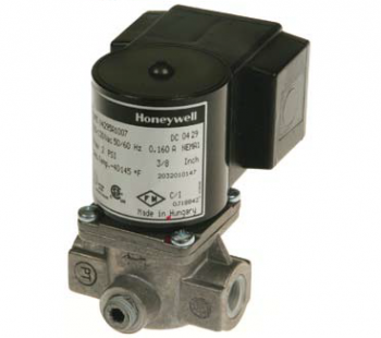 "Honeywell V4295S1013 Solenoid Valve 120V Normally Closed 2psi 1"" NPT"