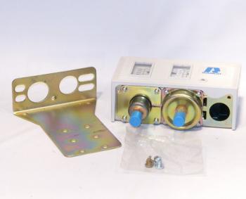 "Ranco O12-1505 Duel Function Pressure Control 12"" W.C. 50 PSI"